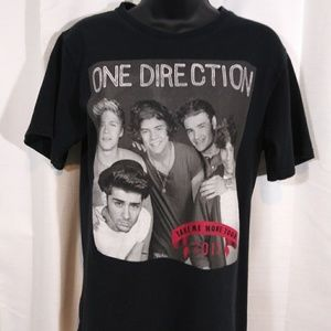 One Direction 2013 tour Band Tee. Sz small